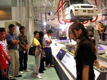 なんと日本の車の生産ラインの7割にダイフクさんの搬送設備が使われているそうです。