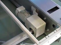 ハイポニック減速機が駆動部分で使われています。